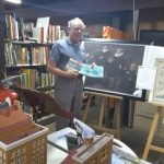 Photo Klaas Woldring with a copy of the painting of Abel Tasman
